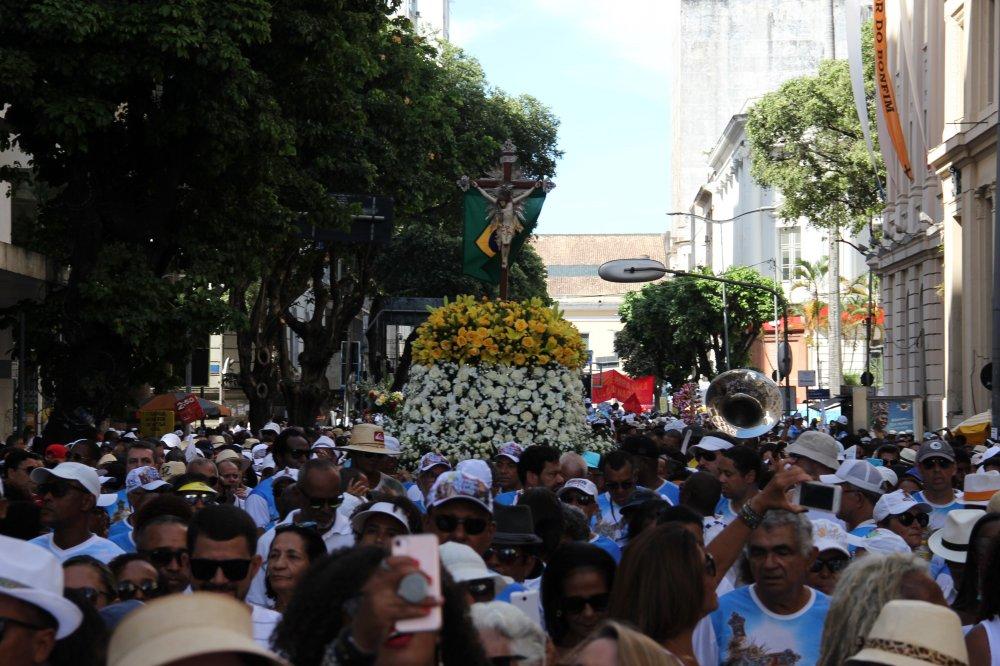 Milhares de fiéis participaram da Lavagem do Bonfim