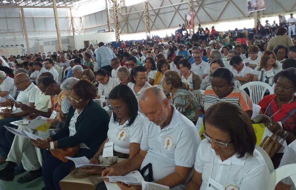 Ministros da Eucaristia do Bonfim participam de encontro no Colégio Antônio Vieira