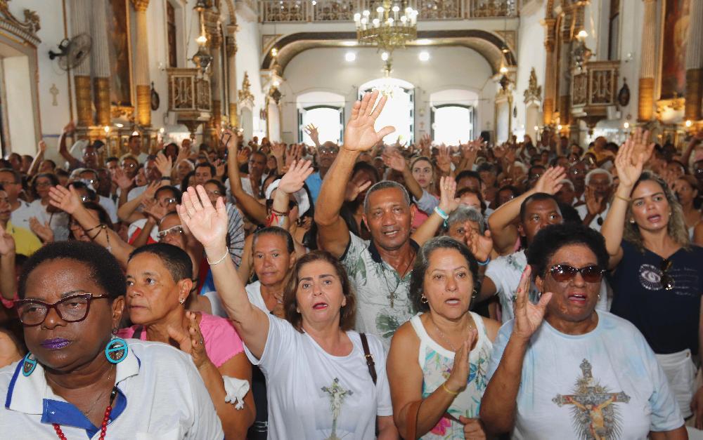 Missa Solene da Festa Jubilar do Senhor do Bonfim reúne centenas de devotos